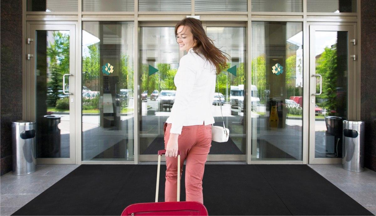 Льготная стоимость проживания в отеле для участников деловых мероприятий.